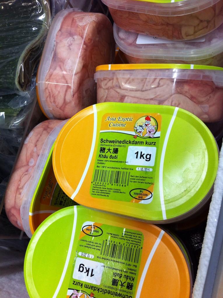 Schweinedickdarm kurz im 1 kg Paket. Neue Eissorte von Langnese? ;)